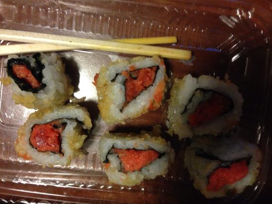 Sushi Boat: Pathetic Tuna Roll