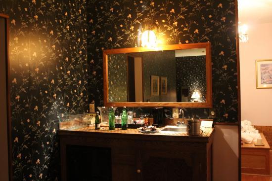 Palace Hotel & Bath House Spa: Wet Bar