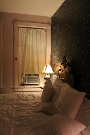 Palace Hotel & Bath House Spa: Bed area
