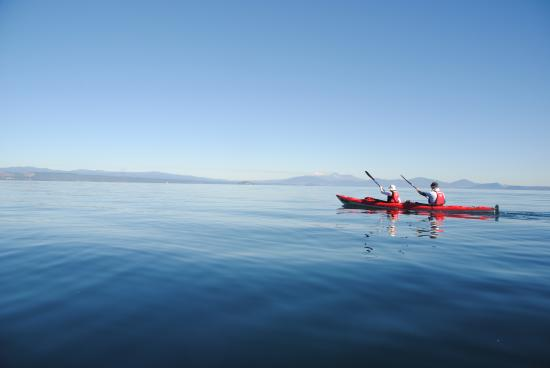 Canoe & Kayak Taupo Tours: Glassy Lake Taupo