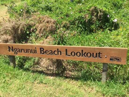 راجلان صن ست موتل: Ngarunui Beach Lookout