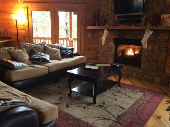 Cobbly Nob Rentals: Living room