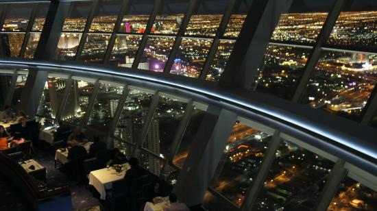 Top Of The World Restaurant At Stratosphere Roterende I 300 Meters Højde