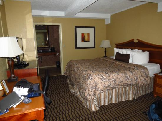 Best Western Savannah Historic District : Our Room
