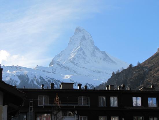 Hotel Dufour Alpin Zermatt: View from balcony