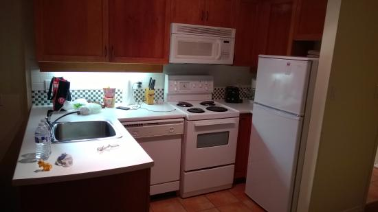 Alpenglow Lodge : Full kitchen