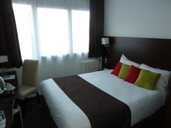 Comfort Hotel Urban City Le Havre : Общий вид номера