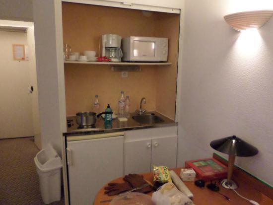 Adagio Access Paris Maisons Alfort : Pequena cozinha