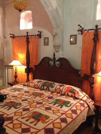 Hotel Chobdar Haveli : Orange Room