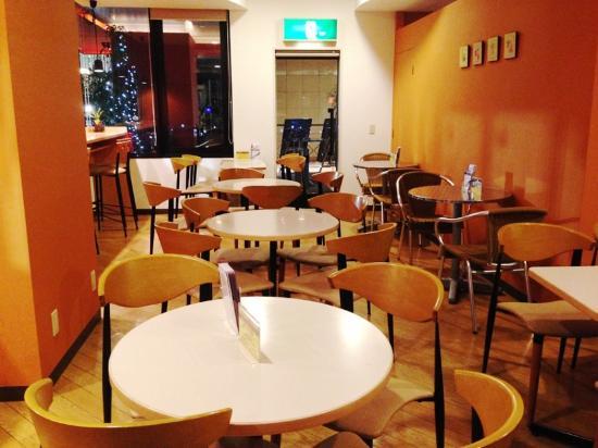 Hotel 123  Kobe: ちょっとシャレた朝食会場