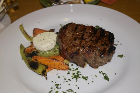 Chrastava, République tchèque : Steak mit Gemüse