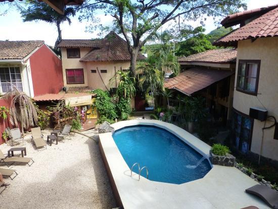 Hotel Mamiri: Pool