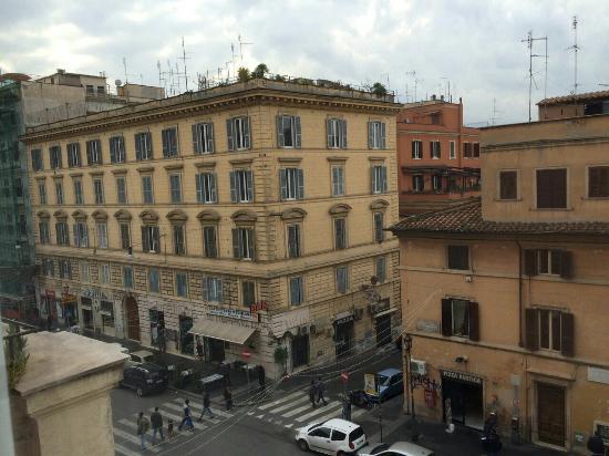 Merulana Inn: Street view, left