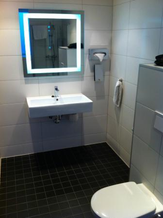 Thon Hotel Maritim: Bathroom
