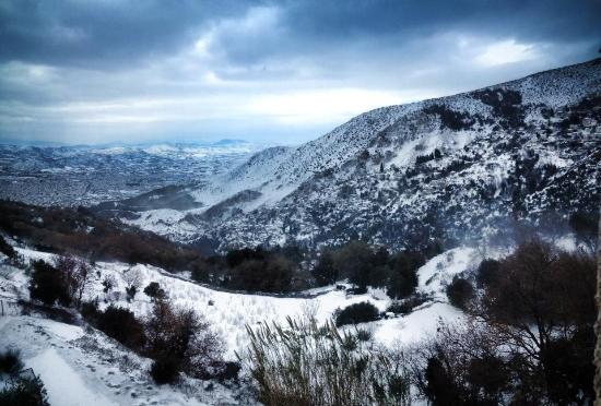 Aeriko: Χιονισμένο τοπίο... Η θέα απο το Αερικό... Απίστευτη  !