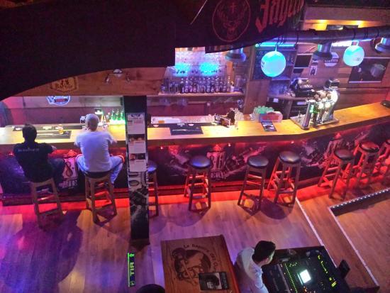 Le repaire des Ours : the bar