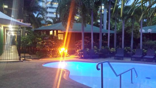 Palms City Resort: a beautiful night in paradise