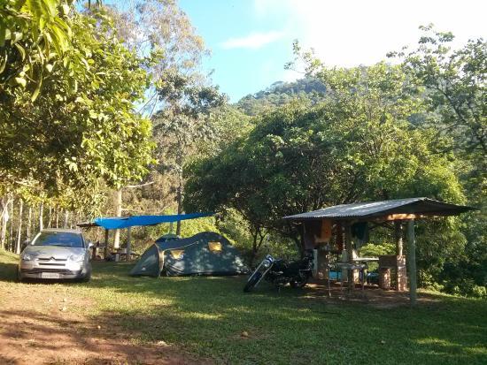 Gruta Dos Anoes Camping E Chales: amanhecer