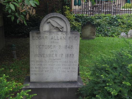 ‪Edgar Allan Poe's Grave Site and Memorial‬