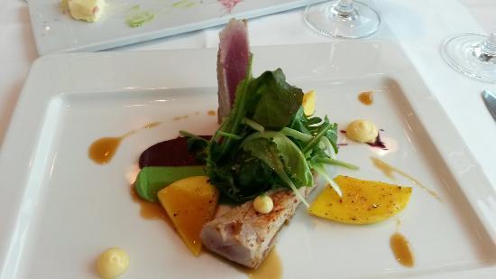 dasTURM: Vorspeise. Thunfisch-Mango-Limette
