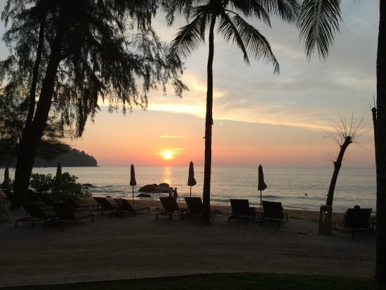 Moracea by Khao Lak Resort: Sundowner from luxurious beachfront bungalow terrace