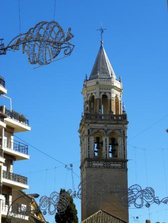 Iglesia de San Pedro: campanile