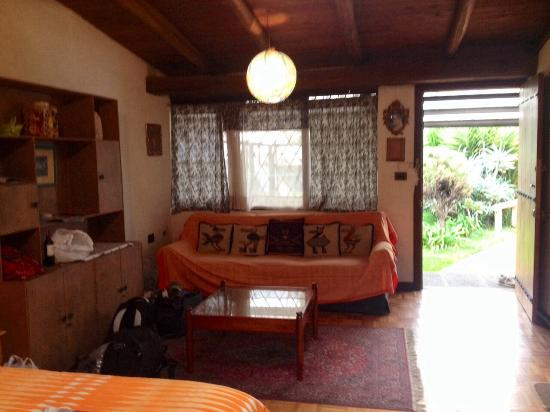 Hostal Casapaxi: Our beautifully decorated room
