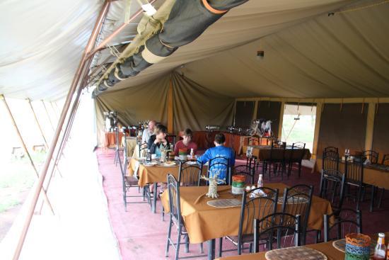 Serengeti Wild Camp: Dining room