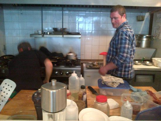 Bleu Turtle: Precision on the kitchen