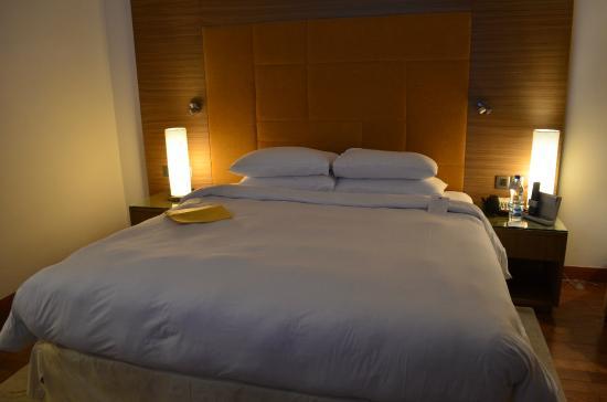 Clarks Inn, Gurgaon, Delhi-NCR: Кровать