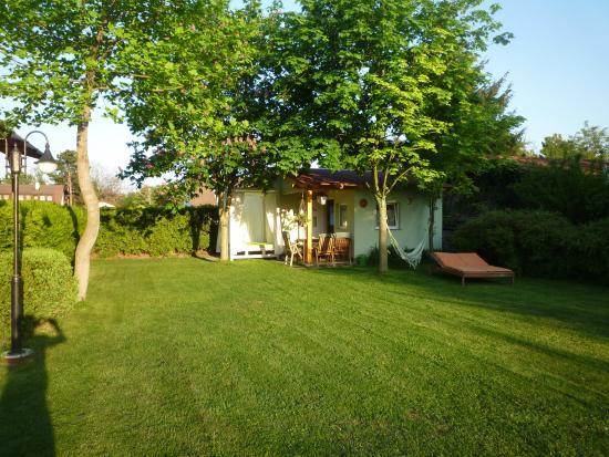 Gartenpension Familie Prosl: Garten Mit Kinderhaus