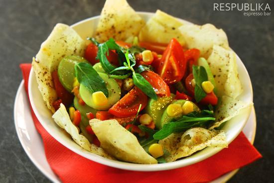 Respublika Espresso Bar: Vega Salad