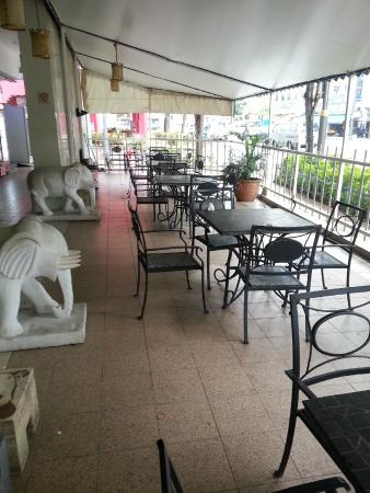 Claremont Hotel Singapore: Lobby