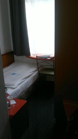 Hotel Wedina: Eine Bewegung im Zimmer ist nicht möglich