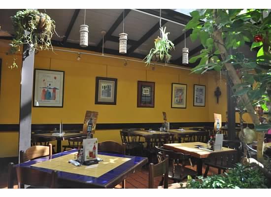 El Patio De Sam: Dining Area