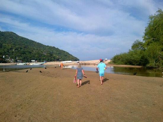 Yelapa Oasis: The route across the river to the beach from the Oasis