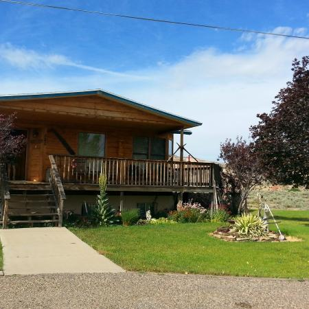 Rainbow Country Bed and Breakfast: Extérieur