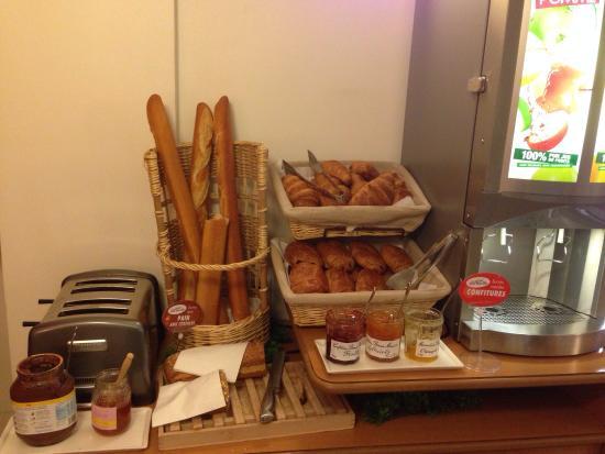 Ibis Paris Tour Montparnasse 15ème : Café da manhã