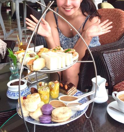 The Museum Coffee & Tea Corner: タイ滞在6日目、タイ料理とイタリアンばかり頂いてたので老舗ホテルのアフタヌーンティーをチョイス!日曜日でしたが人も少なく静かで優雅な時間を過ごせました。スイーツもフィンガーサンドも手の込んだ品