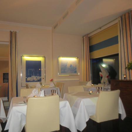 Strandhotel Georgshöhe: Speisesaal