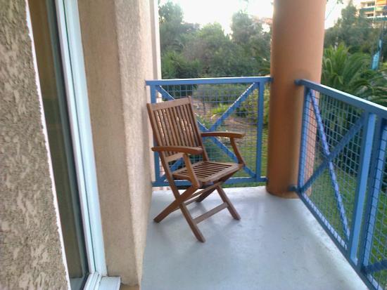 Ibis Hyeres Centre: Balcon2