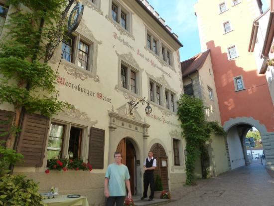 Gasthof zum Baren: Outside of Hotel Baeren Meersburg