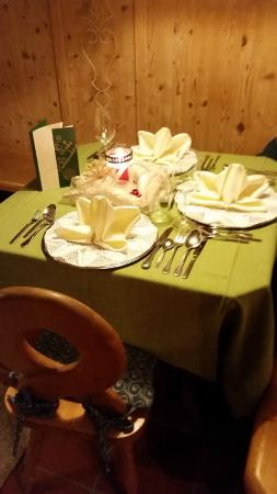Pension Sabine: the beautiful table at christmas eve
