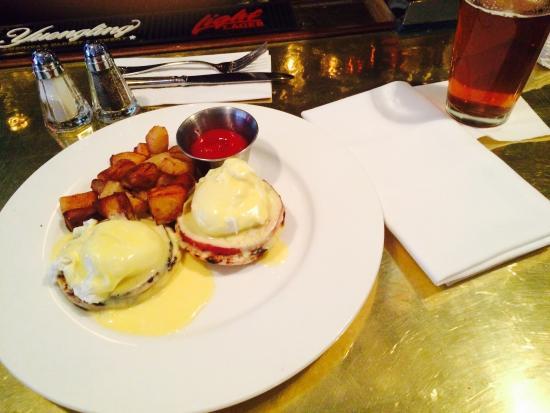 Tavern on Main: Eggs Benedict
