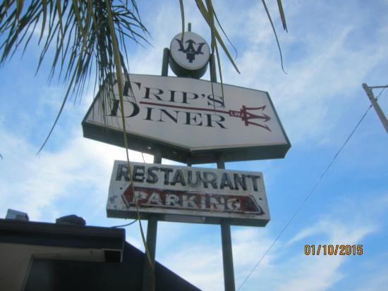 Trip's Diner: sign
