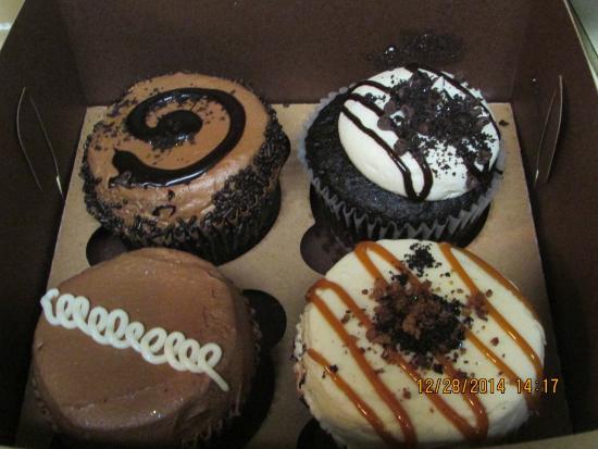 Sensational Sweet Daddy Cupcakes Chandler Menu Prices Restaurant Reviews Funny Birthday Cards Online Hendilapandamsfinfo