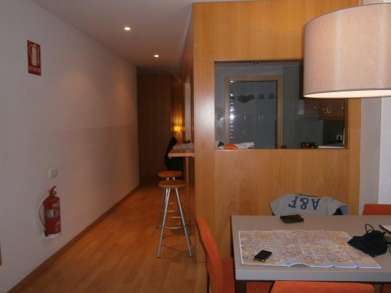 MH Apartments Opera Rambla: séjour