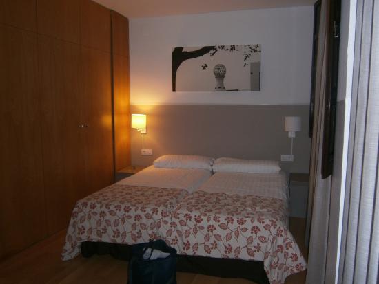 MH Apartments Opera Rambla: chambre