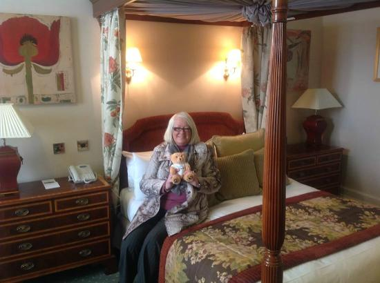 Midland Hotel: four poster room