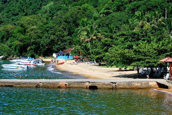 Pousada Recanto dos Passaros : praia da pousada